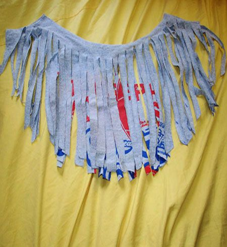 Two scarves from one t-shirt. #DIY #scarf #skjerf #tutorial