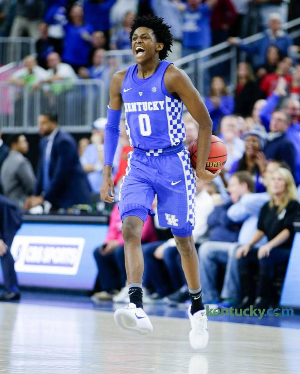 Kentucky guard De'Aaron Fox (0) celebrated the Cats' win ...