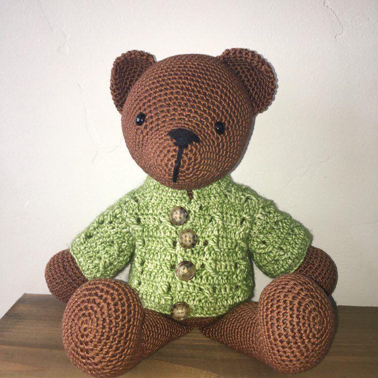 Soft little amigurumi bear in sweater (free crochet pattern) | Mindy | 750x750