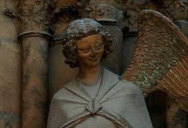 Znalezione obrazy dla zapytania Uśmiechnięty anioł