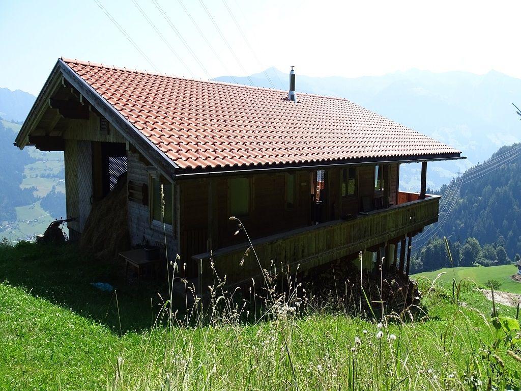 Toni S Almhutt N Zillertal Die Hutte Im Traditionellen Stil Zillertal Ferienhaus Alm