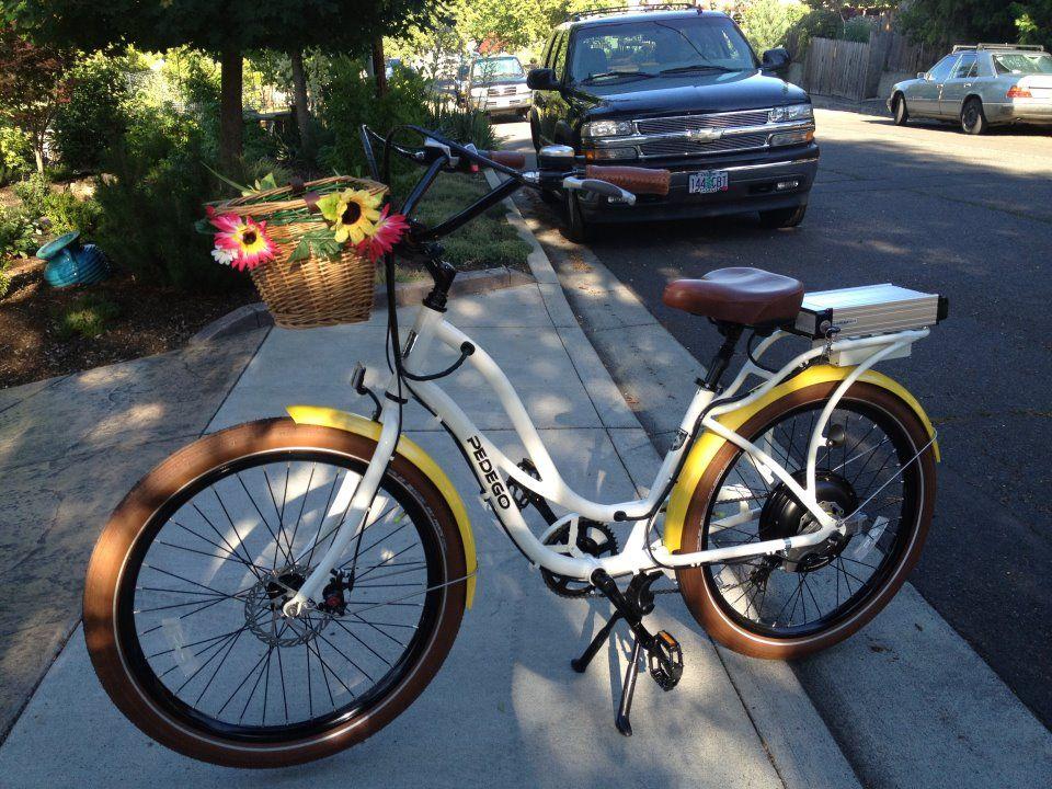 White Pedego Interceptor Electric Bike The Yellow Fenders Add A Nice Touch Electric Bike Electric Bicycle Bike Store