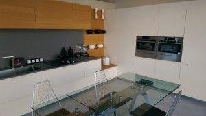 cucina con elettrodomestici Aeg ( forno a vapore, microonde ...