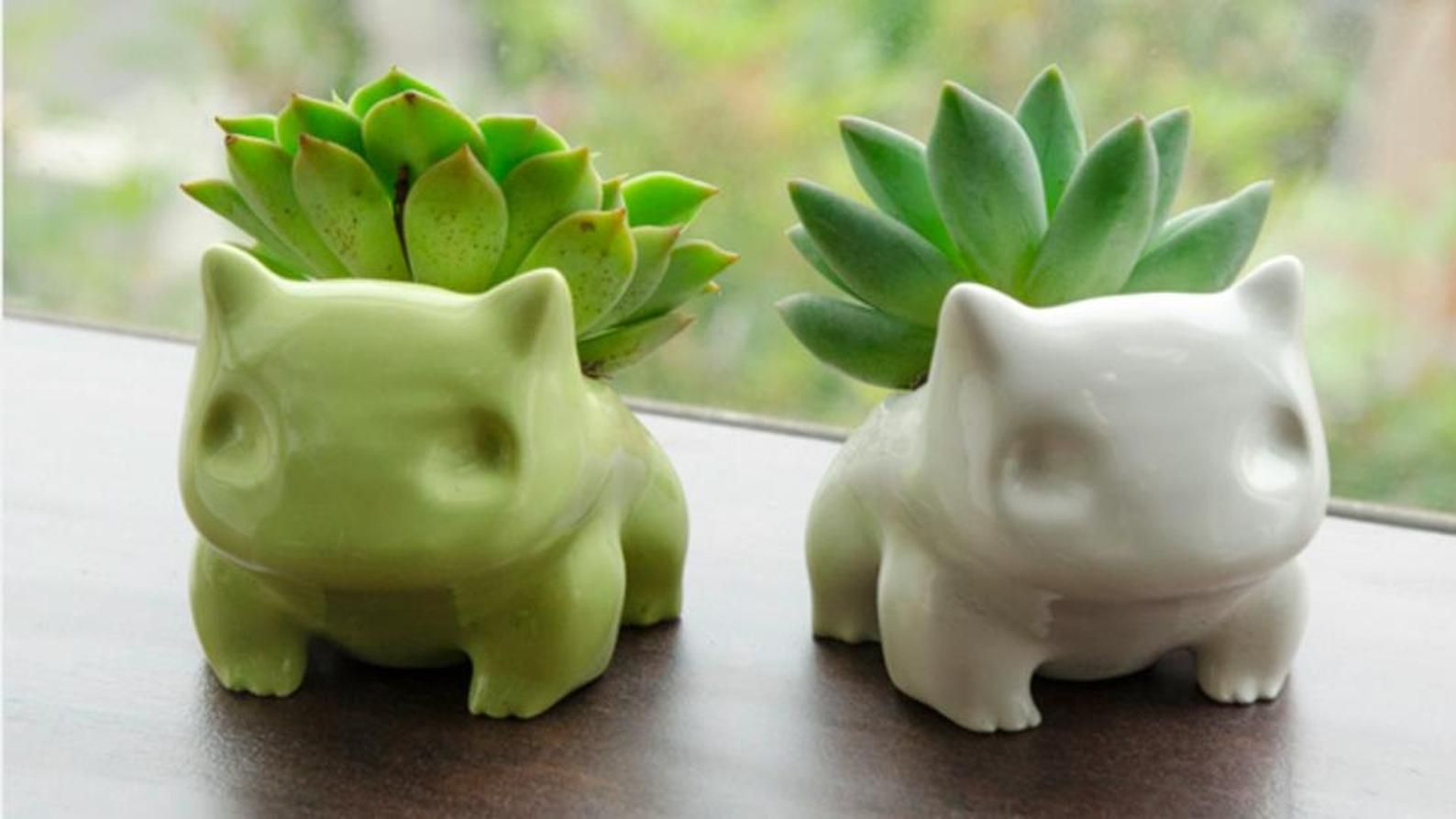 Ceramic Bulbasaur Planter / Flower Pot - 2 sizes a