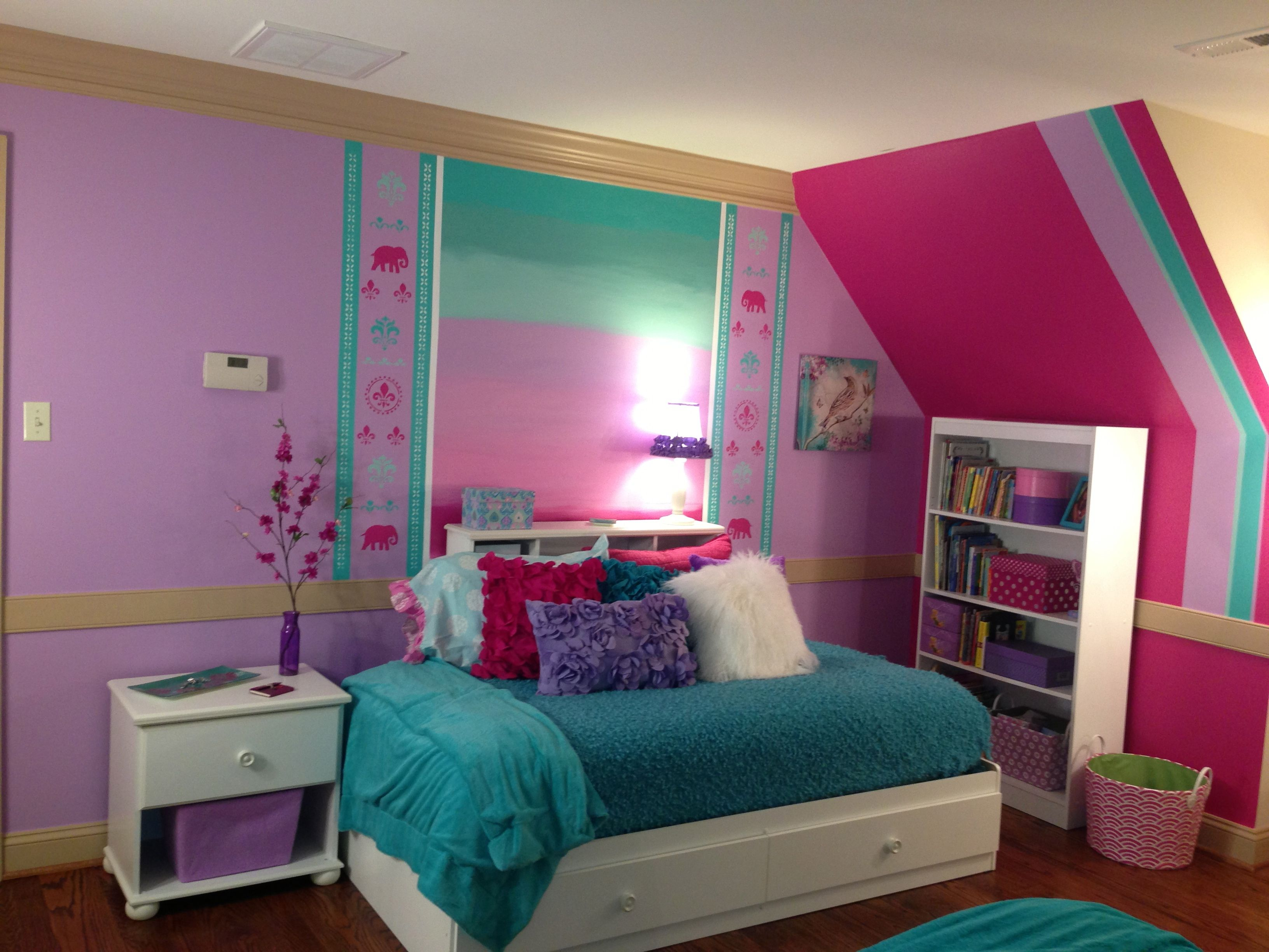 Making the most of space with a twin bed 7 year old for Older girls bedroom designs