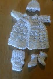Resultado de imagen para ropones para bautizo de niño tejidos en crochet