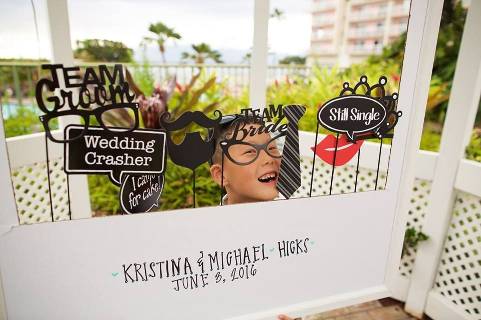Wedding photo booth fun - Anna Kim Photography