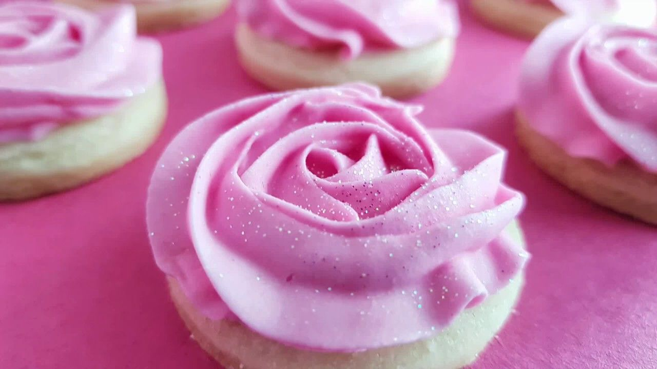 Making Rosette Cookies with Royal Icing
