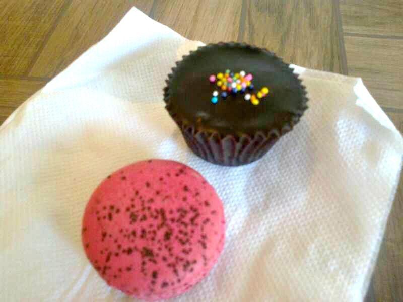 Cupcake & Macaroon @Le 15 Patisserie,Mumbai