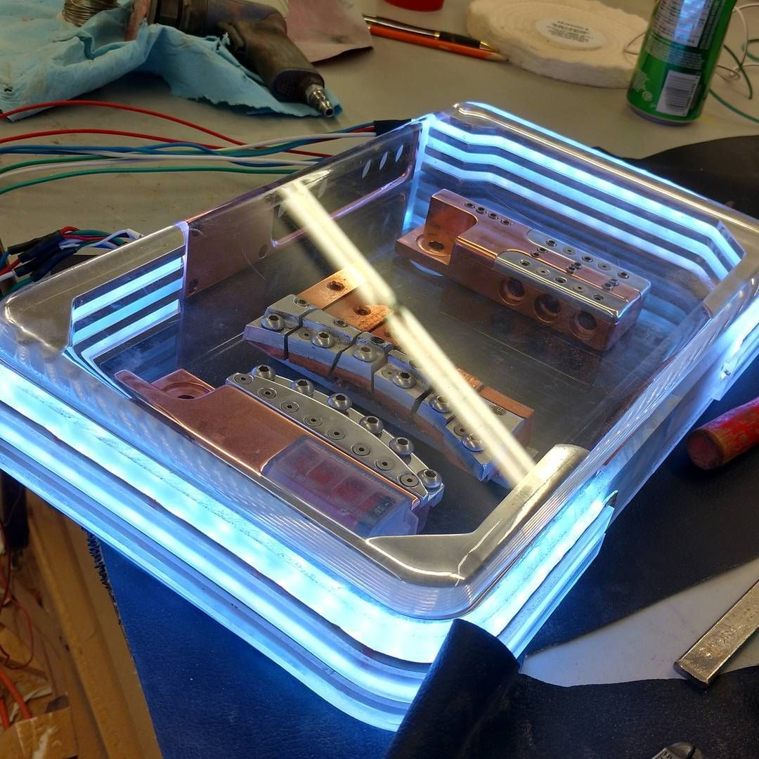 Custom Car Audio Power Distribution Plexiglass Billet Leds Copper Toyota Hilux Fuse Box Block