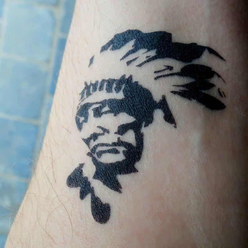 Nouveau Pochoir Tattoo Indien D Amerique Ce Tatouage A Ete Realise