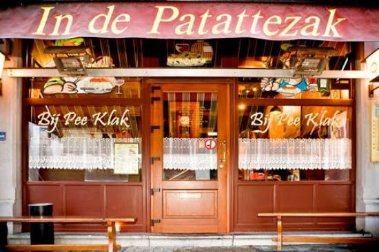 In Patattezak - Pee Klak - noisy, crowdy, spaghetti