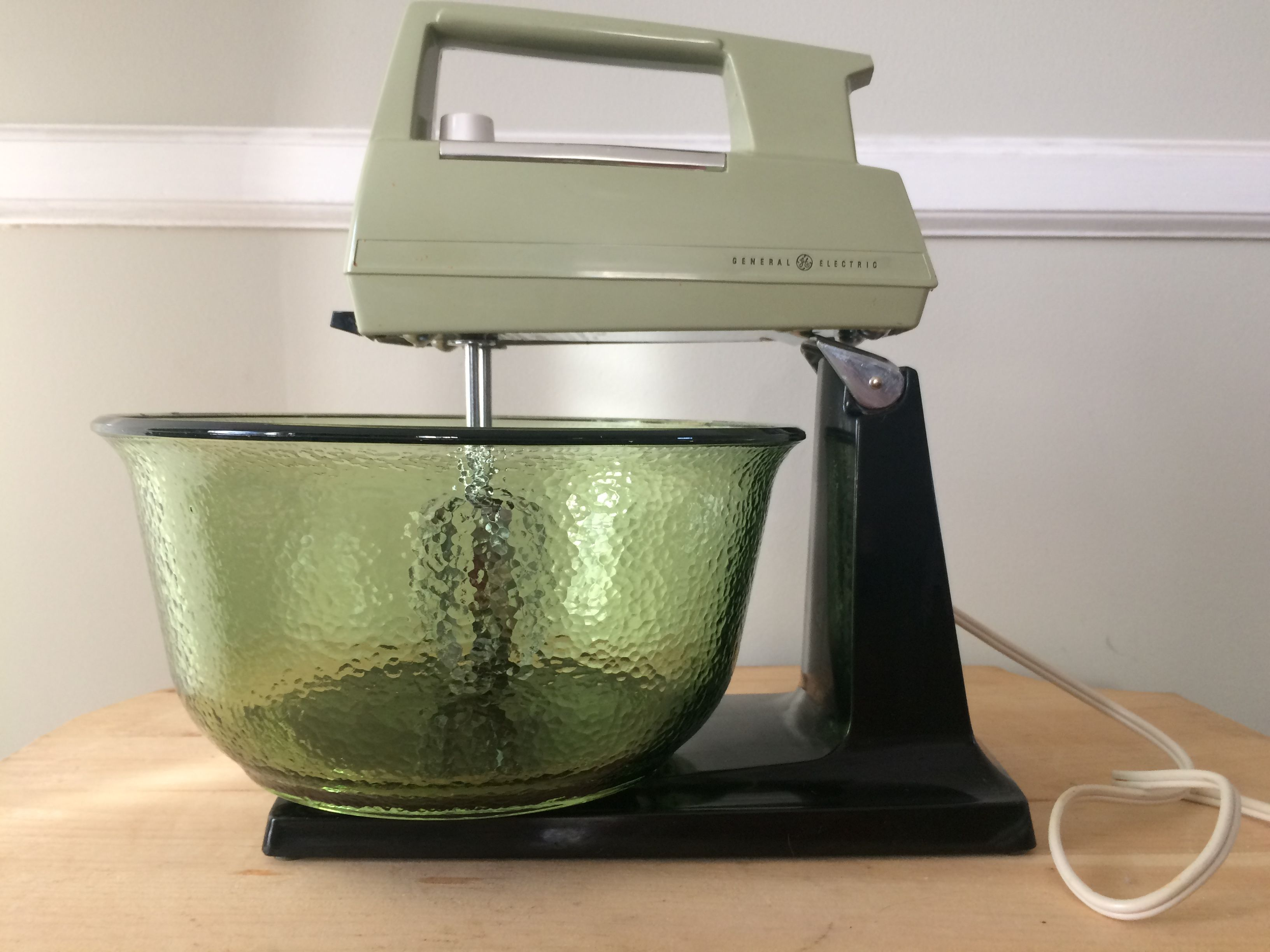 Superbe Vintage General Electric Stand Mixer, 12 Speed, Original Large Green Mixing  Bowl, Retro