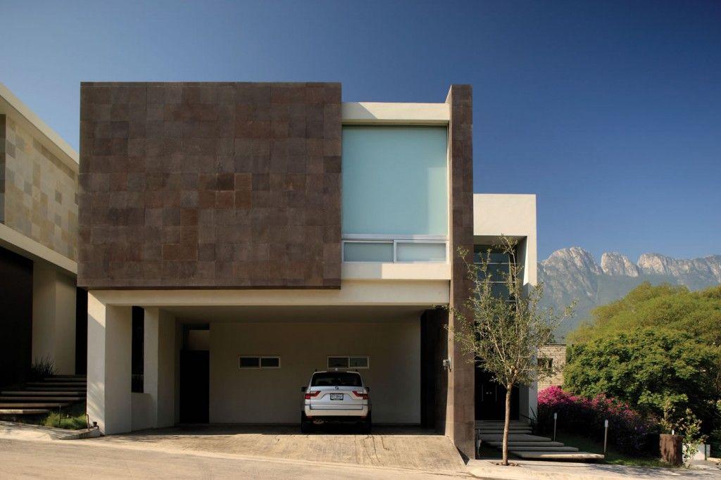 La escondida san pedro garza garc a nl mx architecture for Fachadas de casas modernas en italia