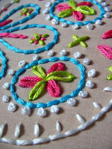 french knots & lazy daisies by stitchy stitcherson