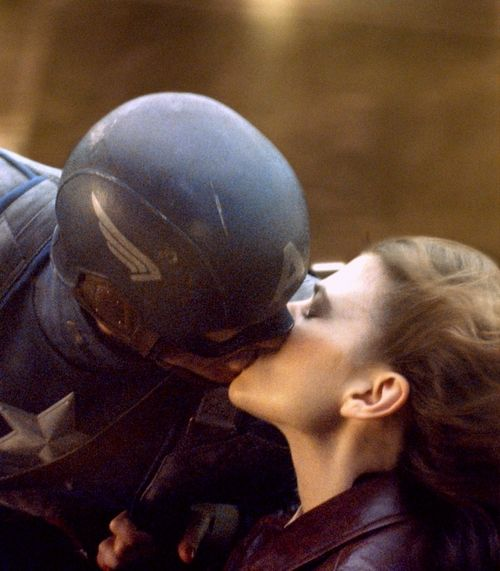 Captain America And Peggy Kiss