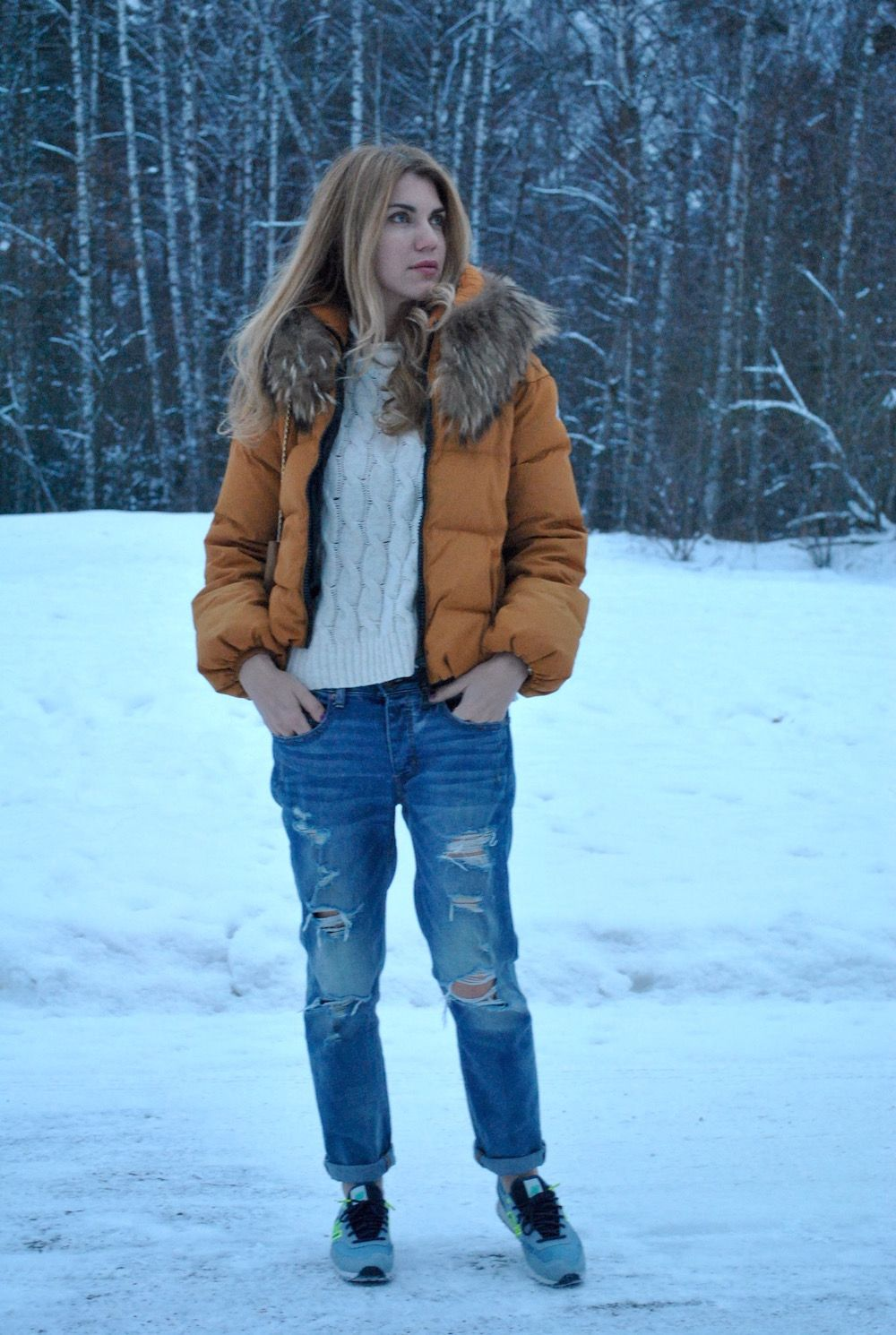 Want to know how to dress for winter and stay fashionable? Can I wear my favourite piece of clothing even though it is cold? Then, this article is for you.