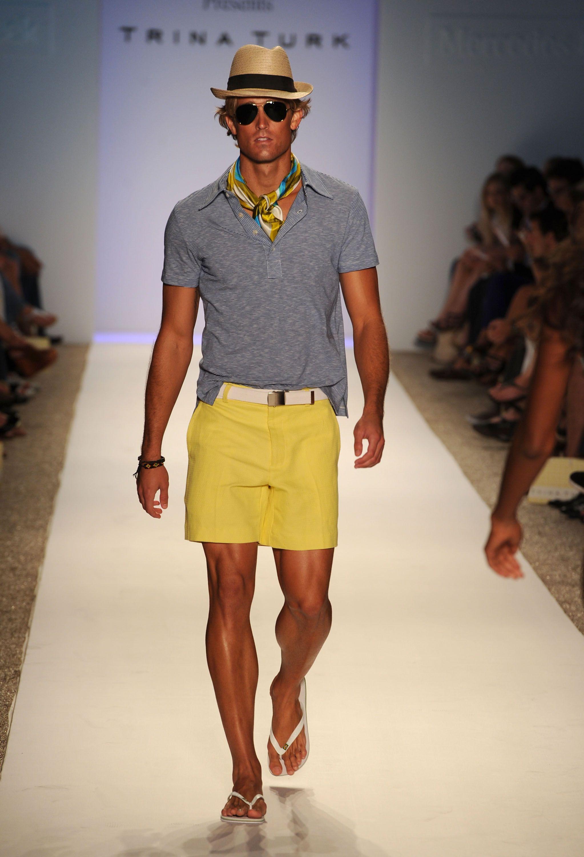 Moda para hombres, ¿cómo vestirse para la playa o la ...