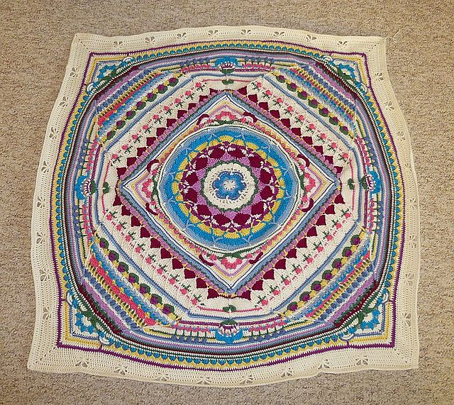 Ravelry Hibbi Bluete S Sophie S Cal 2015 Mandala Decke Mittel
