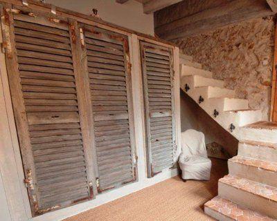 A Travers Les Volets Porte Placard Persienne Porte Placard Decoration Maison