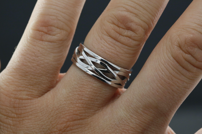 8mm Men's Wedding Band With Designkr3306: 8mm Wedding Band Ring On Hand At Reisefeber.org