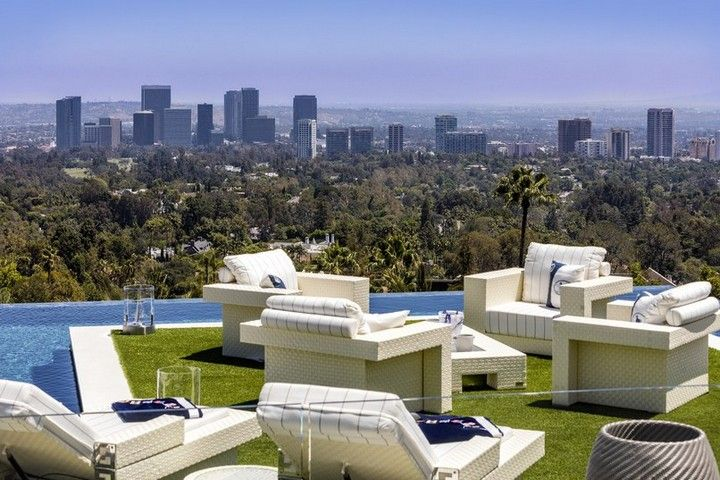 The astonishing giga-mansion you are about to see is currently the most expensive mansion in Los Angeles. The 38,000 square foot Bel Air residence features 21-bathrooms, three-kitchen compound, a helipad, and many more enticing amenities worthy of royalty ➤ Explore The Most Expensive Homes around the world on our website - www.themostexpensivehomes.com #mostexpensive #mostexpensivehomes #themostexpensivehomes #luxuryrealestate #losangeles #losangeleshomes #luxuryhomes #mostexpensivehomesinla…