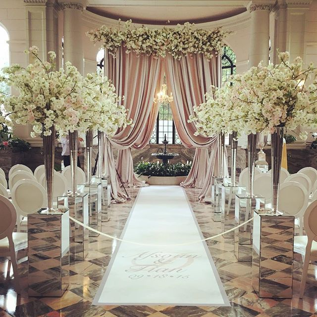 Another beautiful ceremony.. This time it's at @casalomatoronto @libertygroup in the conservatory. Thankyou @eventuredesign for always fabulous draping! That canopy!! #rachelaclingen #casalomaweddings  #weddingflowers #weddingdesign @eventgraffiti