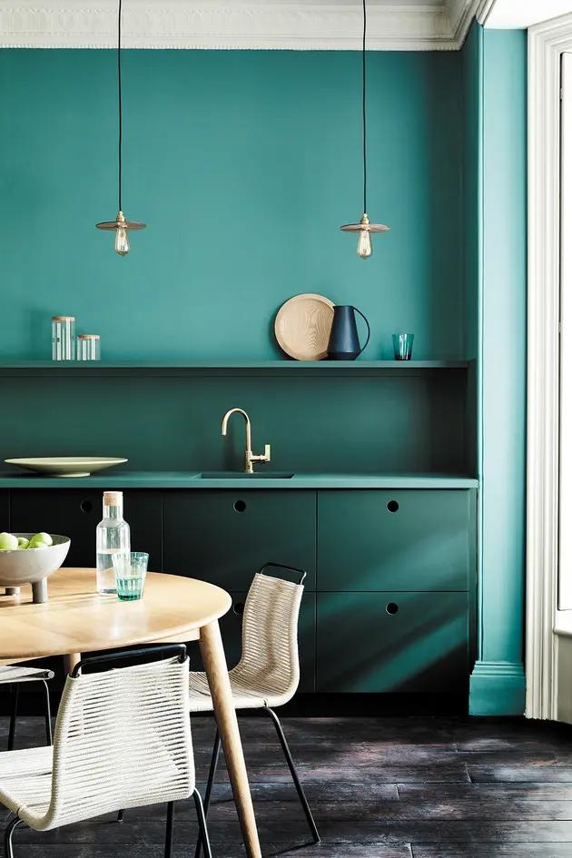 Une Cuisine Entre Bleu Et Vert Deco Bleu Canard Salle A Manger Verte Vert Canard