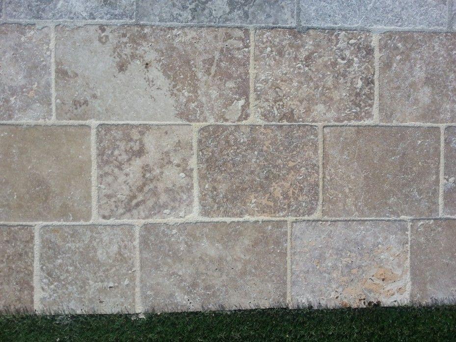 Pavé travertin noisette en pierre calcaire sera parfait pour vos - Dalle Pour Parking Exterieur