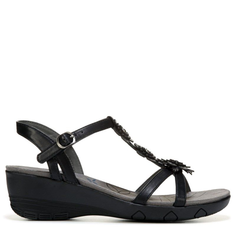 d6a810ed5daa Bare Traps Women s Hammond Wedge Sandals (Black)