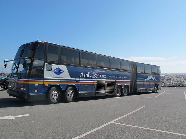 Prevost H5-60 articulated coach, Ambassatours, Halifax, Nova
