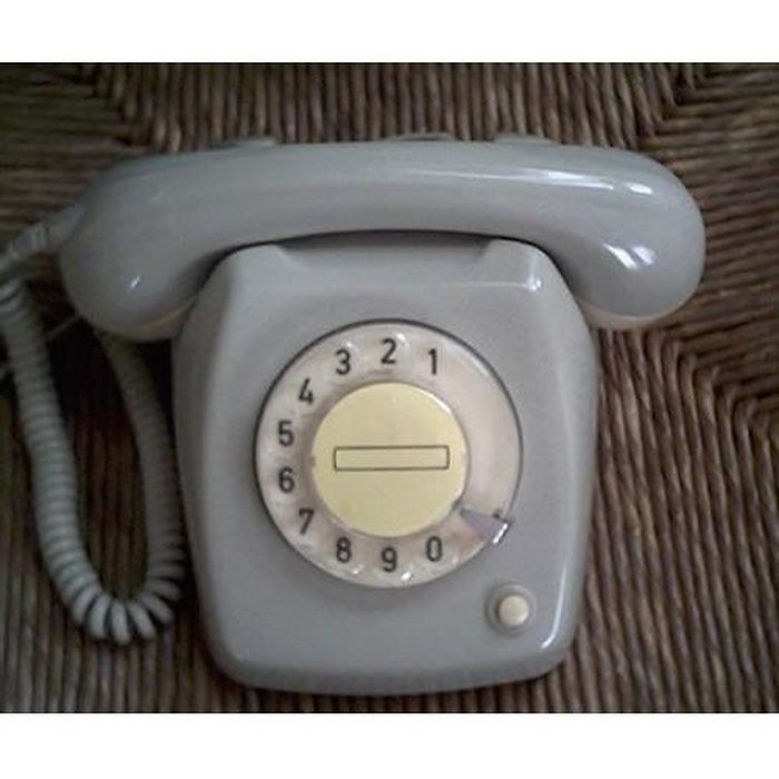 Telefoon met draaischijf. Volgens mij gedurende heel mijn jeugd