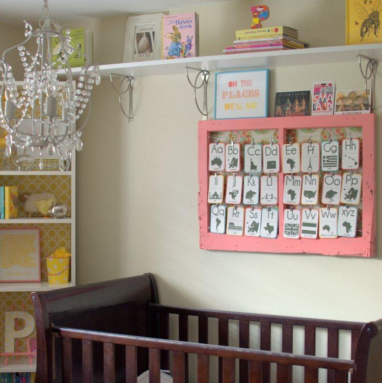 Alte Fenster Dekoration Babyzimmer Babybett Wanddeko Buchstaben Karten