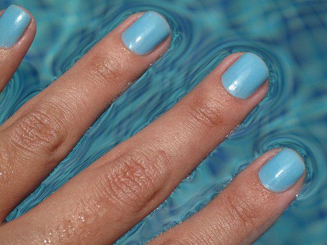 beautiful summer blue nails