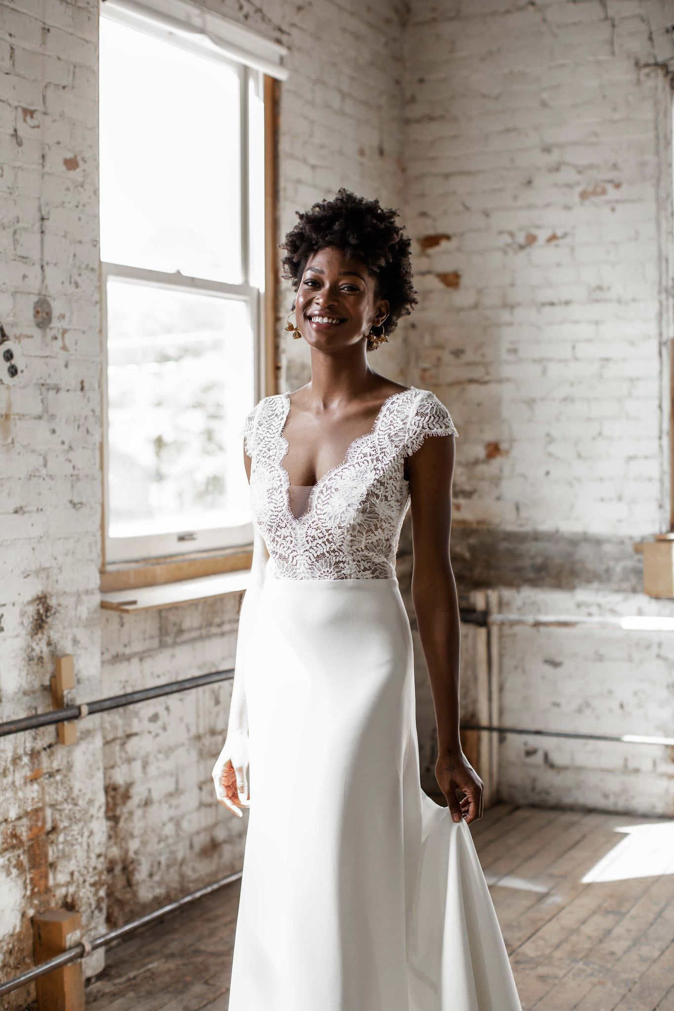 Rae By Anais Anette Price 2350 In 2021 Wedding Dress Brands Seattle Wedding Dress Boho Wedding Dress Lace [ 2048 x 1365 Pixel ]