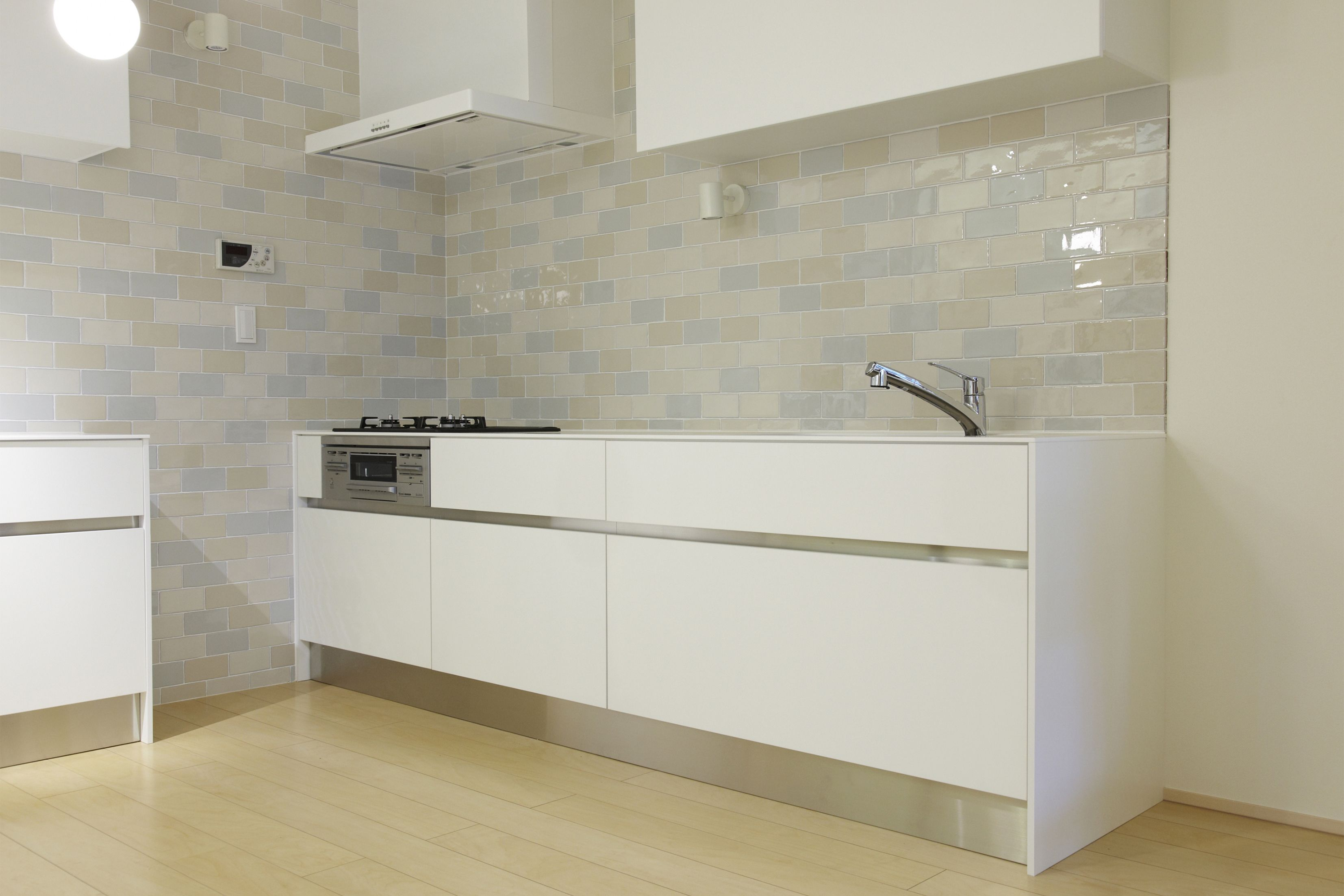 CEVICA range, with a crackle glaze. Shiny colours for bathrooms or ...