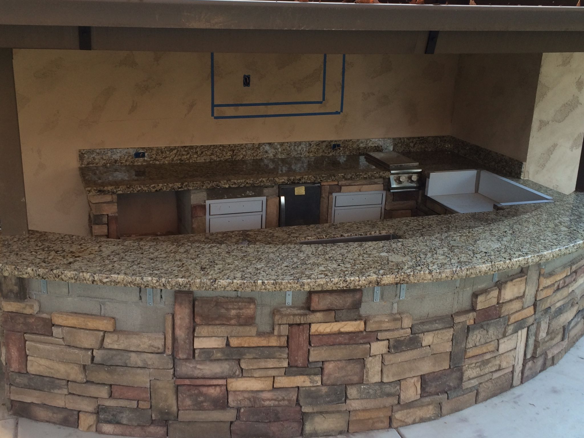Granite For Outdoor Kitchen Granite Outdoor Kitchen With Chiseled Edge Counter Tops