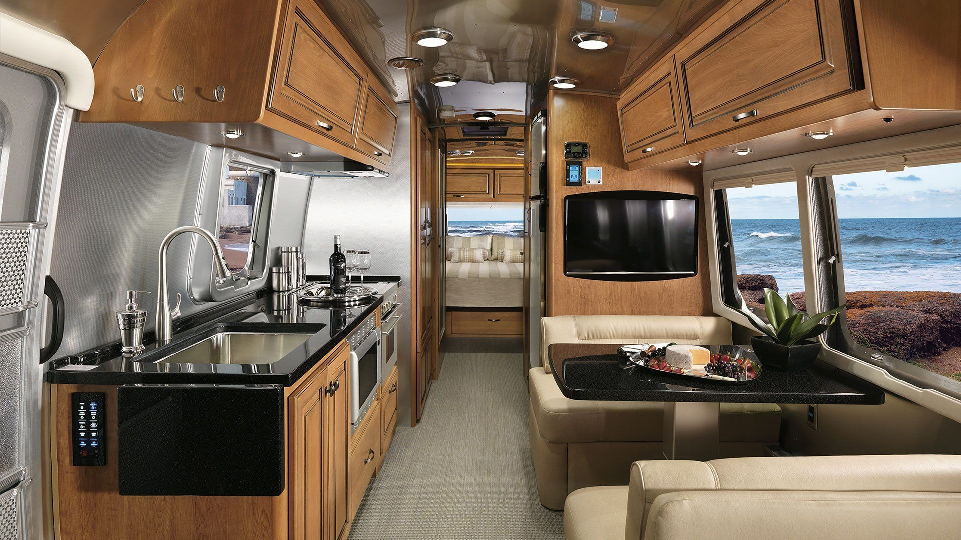 44 Rv Airstream Design For Your Travel Comfort Camper And Travel Penitifashion In 2020 Airstream Trailers Travel Trailer Interior Airstream Interior
