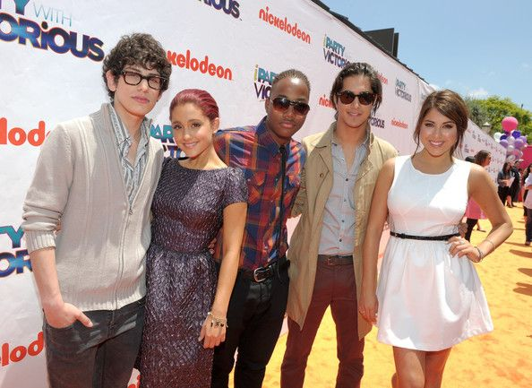 Ariana Grande Photostream Icarly And Victorious Leon Thomas Victorious Cast