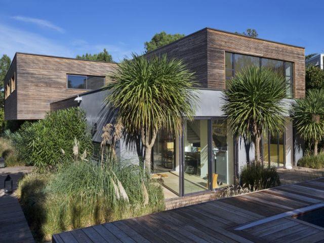 Du bois et une déco rétro pour une villa du Cap Ferret Ferret - location maison cap ferret avec piscine