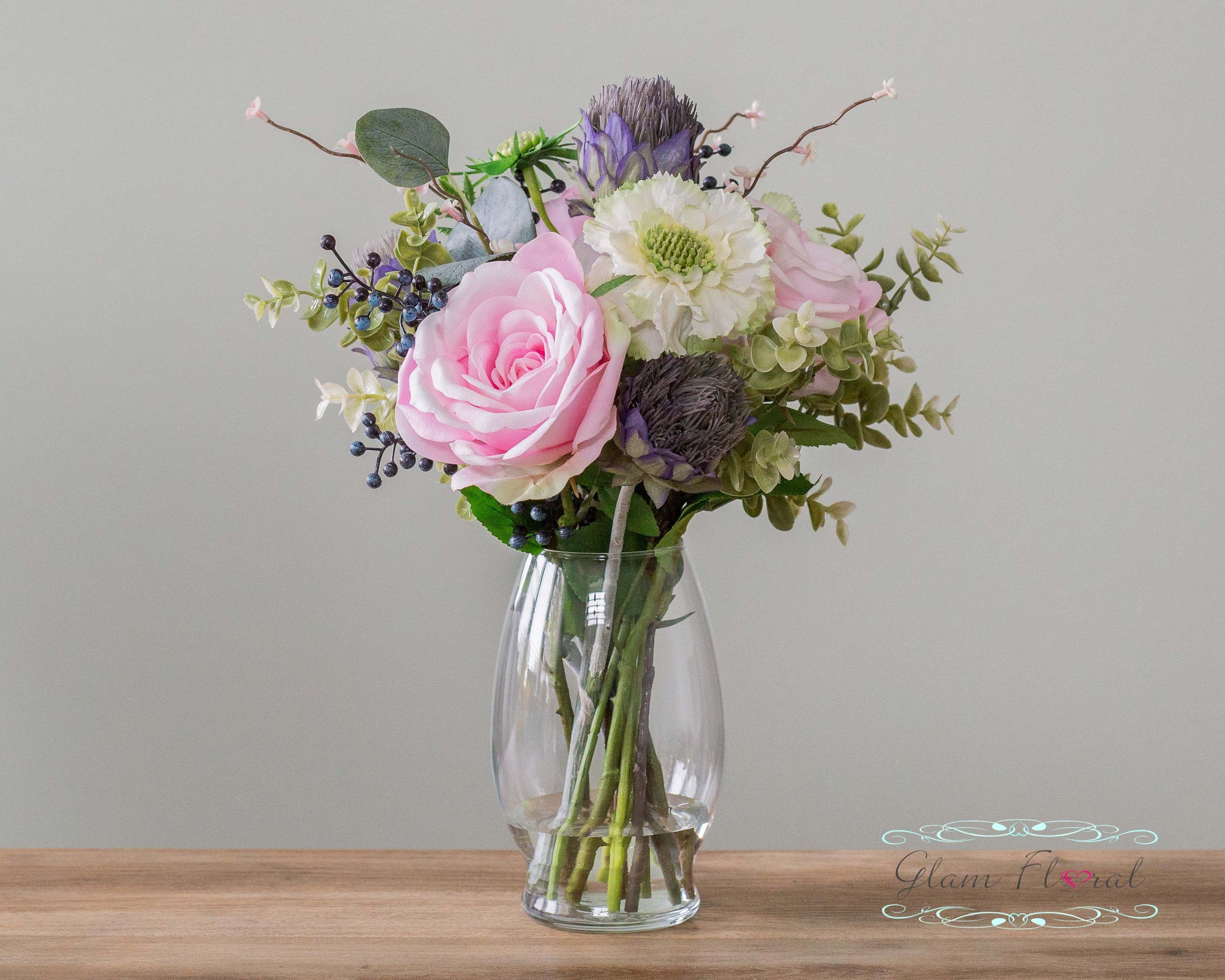 """Artificial 11.5/"""" Mixed Daisy Flowers Floral Arrangement in Faux Water Glass Vase"""