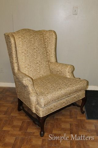 Exceptionnel Gold Wing Back Chair