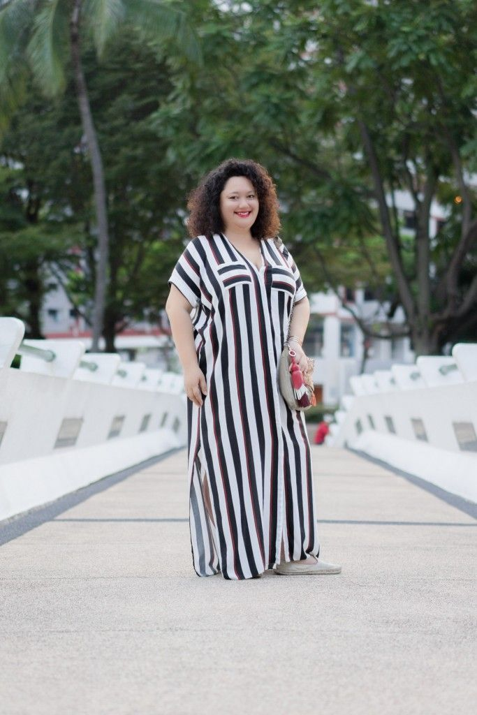 SHENTONISTA: Between The Lines. Adibah, Writer. Dress from Dorothy Perkins, Bag from Promod, Shoes from Soludos. #shentonista #theuniform #singapore #fashion #streetystyle #style #ootd #sgootd #ootdsg #wiwt #popular #people #male #female #womenswear #menswear #sgstyle #cbd #DorothyPerkins #Promod #Soludos