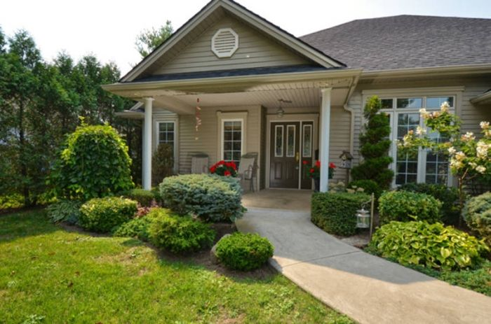 Nice Entrance It S Covered No Steps To Get In And Places To Relax Out Front Accessible House Handicap Accessible Home House Exterior
