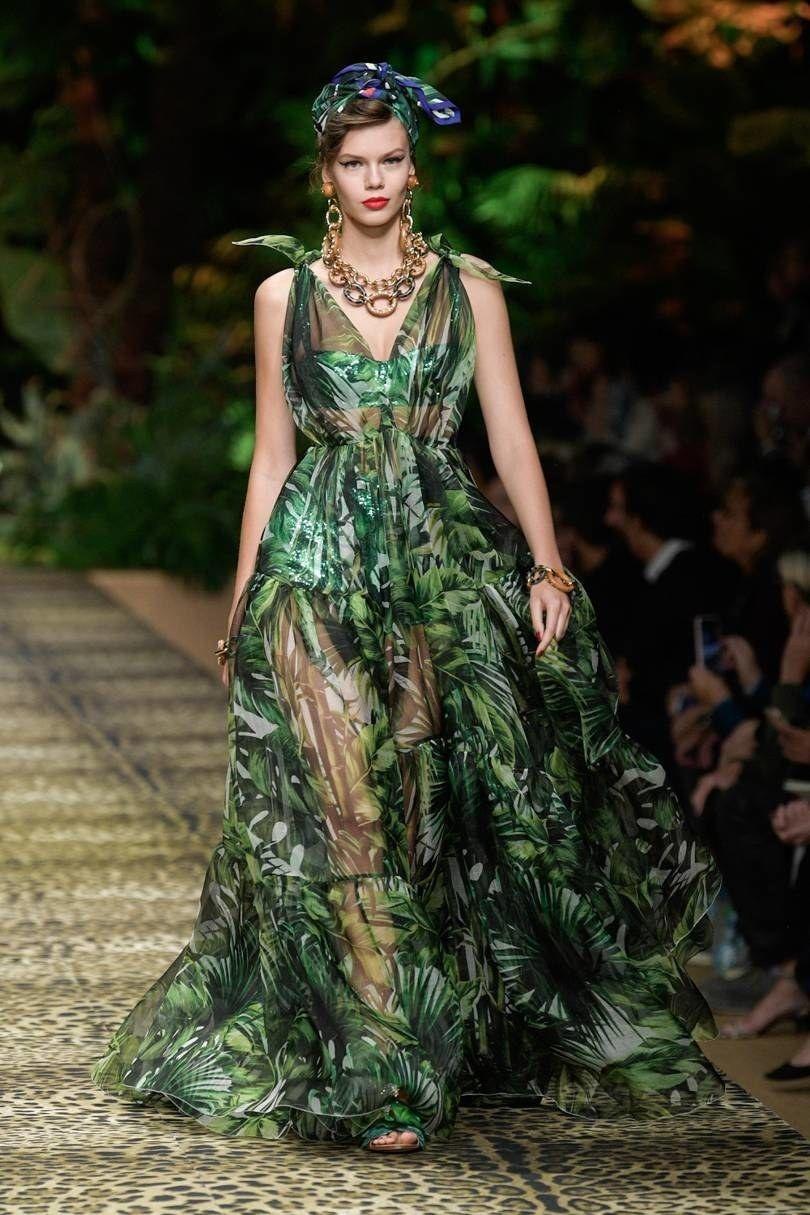 The 12 Spring Summer 2020 Fashion Trends You Need To Know British Vogue In 2020 Fashion Fashion Show Runway Fashion
