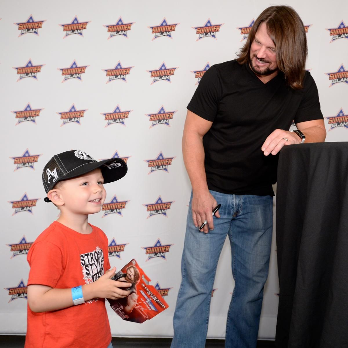 Photos Summerslam Meet Greet With Aj Styles And Dean Ambrose Aj