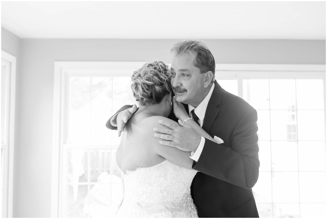 wedding picture locations akron ohio%0A Dady u    s first look with Bride on wedding day