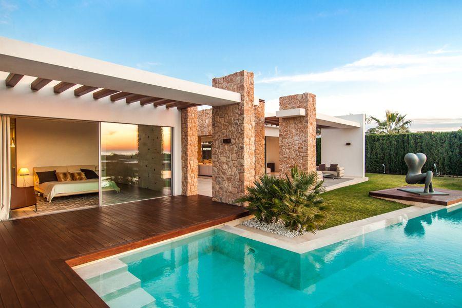 Blanco De Ibiza Residence In Ibiza Casas Mediterraneas Casas De Lujo Casas Mediterraneo