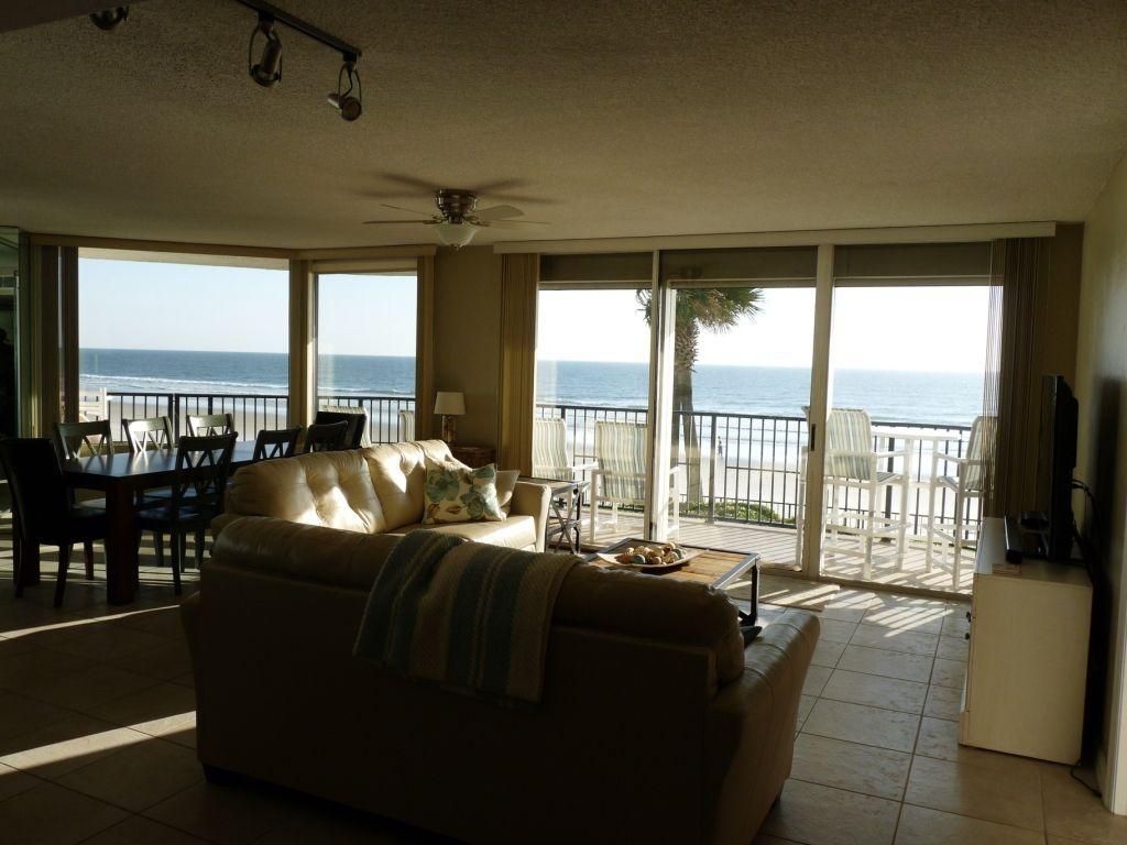 Vrbo Com 710913 Your Beach Condo In The Award Winning Ashley Building Awaits You Beach Condo Daytona Beach Shores Condo