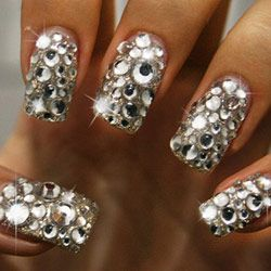 Love these bling nails!